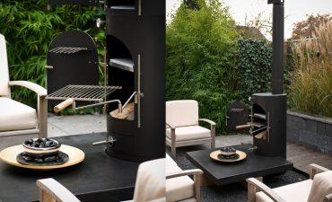 Garden-Kitchen-zwart-met-tafel